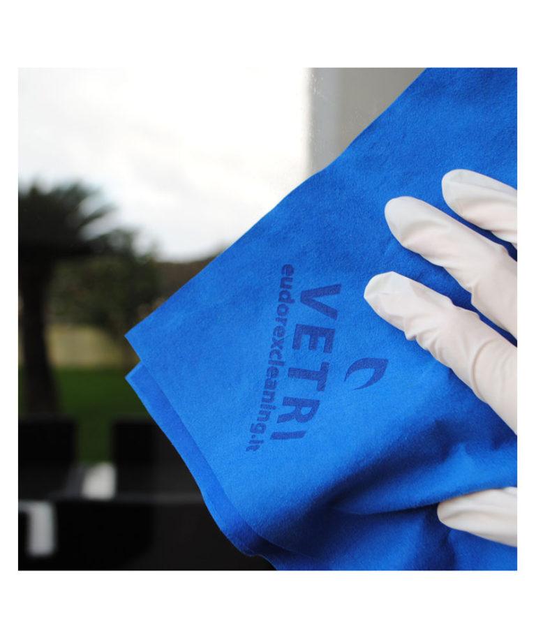 Panno Microfibra Per Asciugare L Auto.Panno In Microfibra Vetri Zero Aloni
