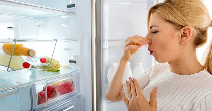 Come pulire il frigo e il freezer: consigli di pulito