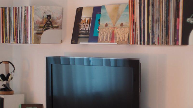 Come pulire lo schermo TV senza graffi ed aloni