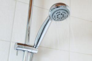 come pulire la doccia in vetro